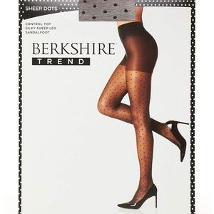 Berkshire Women's Sheer Dot Pantyhose